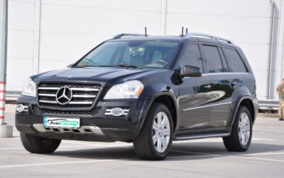 Mercedes-Benz-GL-550-2008