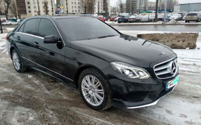 Mercedes-Benz-E-200- (6)